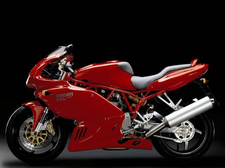 2006 Ducati 749 January 16th 2006 The 2006 749 is a two cylinder 748 cc